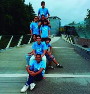 Grupo de estudiantes del curso de inglés para jóvenes en Bournemouth.