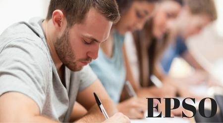 oposiciones-chico-estudiando-2017-examenes-cidi-centro-idiomas